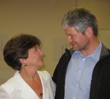 Nancy Kline im Gespräch mit Hans-Peter Wellke über Erfahrungen mit Zuhören als Coach.