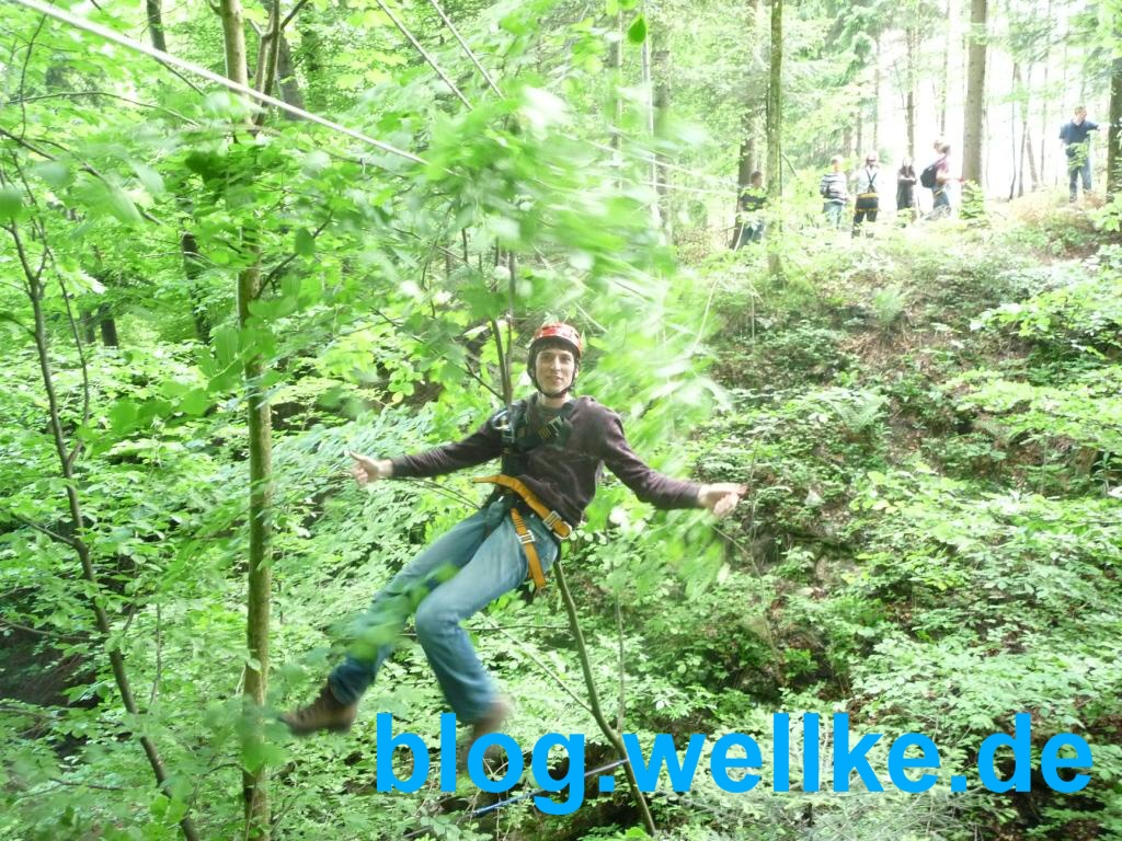 Teamentwicklung Outdoor mit Seilbrücke_Conout_Hans-Peter Wellke_Ringhotel Mönchs Waldhotel Kapfenhardt